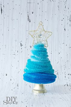 Pipe Cleaner Christmas Bell Ornament: love the colors