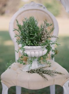 A fragrant herb centerpiece adds charm to the garden wedding ceremony. Bob Gail Special Events. Elizabeth Messina Photography.