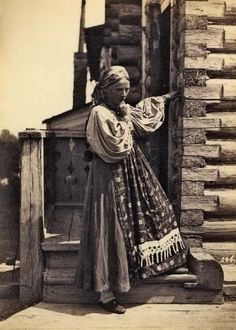 Peasant in Tver region of Russia, Old Photos, Vintage Photos, Old Pictures, Russia Fashion, Russian Folk, Russian Style, Imperial Russia, Marvel, Daughters