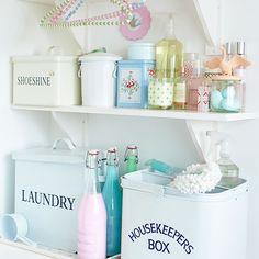 Looking for vintage country utility room decorating ideas? Take a look at this small utility room from Country Homes & Interiors for inspiration. For more utility decorating ideas, such as how to decorate a country utility room, visit our utility room gal Shabby Chic Utility Room, Small Utility Room, Baños Shabby Chic, Cocina Shabby Chic, Shabby Chic Bedrooms, Shabby Chic Kitchen, Shabby Chic Homes, Utility Room Ideas, Utility Room Storage