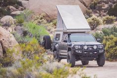 The hottest trend in the car-camping and overland world right now is the lightweight pop-top truck camper. It combines a truck topper shell and a rooftop tent. These go-anywhere truck campers are ready for adventure! Truck Bed Camping, Truck Tent, Kayak Camping, Camping Hammock, Pop Up Truck Campers, Pickup Camper, Offroad Camper, Top Tents, Roof Top Tent