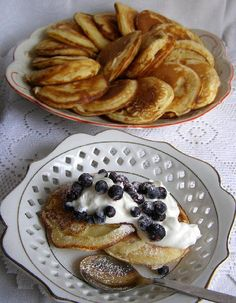 Šlehačkové lívanečky Czech Recipes, Diet Recipes, Tart, French Toast, Food And Drink, Pie, Treats, Snacks, Cookies