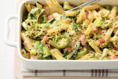 Ideas pasta creamy spaghetti for 2019 Healthy Salad Recipes, Pasta Recipes, Healthy Comfort Food, Healthy Eating, Pasta Salad For Kids, Creamy Spaghetti, Quiche, Dinner Is Served, Easy Cooking