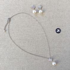 Collier «Idylle» Palladium, Wedding Jewelry, Creations, Suit Handkerchief, Calf Leather, Casket, Butterflies, Boucle D'oreille, Bridal Jewelry