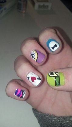Alice in Wonderland nails <3