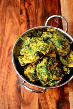 Spinach Pakoras  {This looks like ukoy}