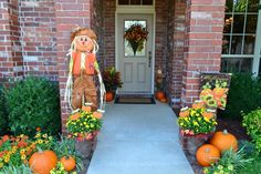Decorating Front Yard Landscaping Ideas Pictures Design Ideas For Front Door Decor Decorative Wall Wreaths Interior Fall Front Door Decor Design Home Furnishings Fall Harvest Decorations, Halloween Porch Decorations, Fence Decorations, Seasonal Decor, Diy Design, Design Ideas, Front Door Decor, Front Porch, Front Entry