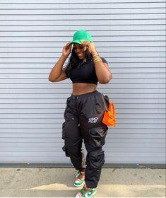 Dope Outfits, Fashion Outfits, Womens Fashion, Grown Women, Looking For Women, Streetwear Fashion, Parachute Pants, Street Wear, Sporty