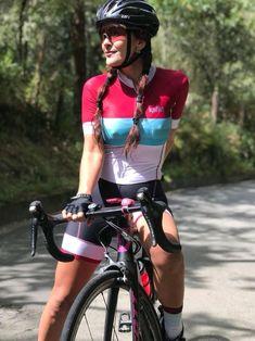 Girls and Bikes Bicycle Women, Road Bike Women, Bicycle Girl, Mountain Biking Women, Cycling Girls, Cycle Chic, Bike Style, Biker Girl, Cycling Outfit