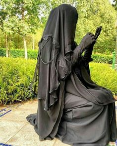 The quantity of fabric makes a niqab very hot.You can find Niqab and more on our website. The quantity of fabric makes a niqab very hot. Arab Girls Hijab, Muslim Girls, Muslim Couples, Niqab Fashion, Muslim Fashion, Beautiful Muslim Women, Beautiful Hijab, Hijabi Girl, Girl Hijab