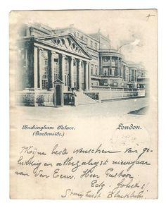 Buckingham Palace vintage postcard London door vintagepostoffice