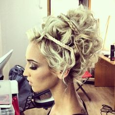 this hair is very royal like for woman in ancient greece times. becuase they usually have there hair all clean and perfect like this hair in the picture.