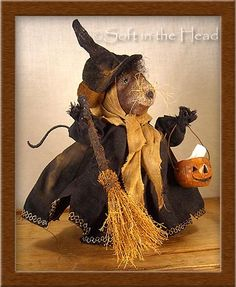 Soft in the Head Halloween Signs, Halloween Art, Holidays Halloween, Halloween Decorations, Pintura Country, Sewing Dolls, Soft Dolls, Doll Patterns, Mice