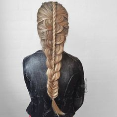 "Beautiful Braid @n.starck  Recreate this braid & add our Golden Blonde or Dirty Blonde 20"" 160gram - perfect range to complete your look. Style with our FLAT IRON, for seamless finish.  SALE40% off the flat iron ↪️BOMBAY40  Shop any of our 3️⃣ stores: https://bombayhair.refersion.com/c/56e6"