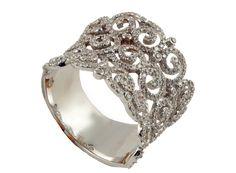 Sortija en oro blanco con diamantes talla brillante.