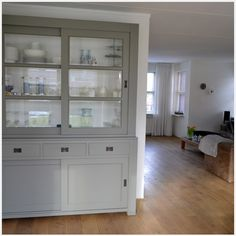 Buffetkast on pinterest cupboards interieur and cabinets for Interieur moderne