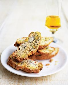 This Grana Padano cheese and hazelnut cantuccini recipe is a sweet and savoury Italian biscotti.