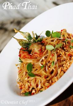 Pad Thai Shrimp Rice Noodle Recipe  Also a TON of yummy looking shrimp recipes