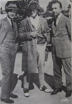 John Barrymore with the Warner Brothers, Jack (left) and Harry, 1926