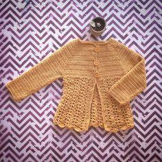 La guia definitiva petitepara tejer un sueter raglan a crochet - Marina Torreblanca Blog Crochet Beach Dress, Crochet Girls, Crochet Baby, Knitting Abbreviations, Crochet Shoes, Baby Knitting, Baby Dress, Crochet Patterns, Pullover