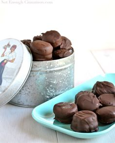 Chocolate Covered Frozen Banana and Peanut Butter Bites via @gourmandelle