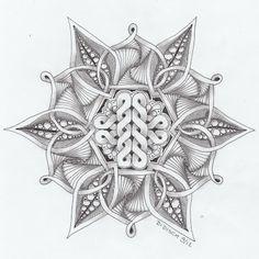 By Di Disch: Celtic knot # 6 en Zendala dare 25 Tangle Doodle, Tangle Art, Zen Doodle, Doodle Art, Zentangle Drawings, Doodles Zentangles, Zentangle Patterns, Celtic Patterns, Celtic Designs