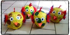 poules en papier maché, bricolage de paques, activité enfant, pinata paques