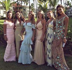 Casamento em punta cana - wedding destination thammy e lippe Black Women Fashion, 50 Fashion, Fashion Dresses, Punta Cana Wedding, Glamour, Classic Style Women, Bridesmaid Dresses, Wedding Dresses, Dream Dress