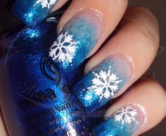 Divas, take a look at the crispy and cool winter nail designs. Let it snow on your nails - 20 snowflake nail arts is what you will see in this post. Christmas Gel Nails, Christmas Nail Designs, Holiday Nails, Fingernail Designs, Cool Nail Designs, Pretty Designs, Winter Nail Art, Winter Nails, Fabulous Nails