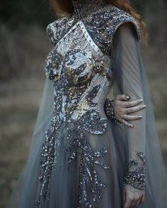Pretty Outfits, Pretty Dresses, Unique Dresses, Elegant Dresses, Beautiful Gowns, Beautiful Outfits, Moda Medieval, Medieval Dress, Haute Couture Gowns