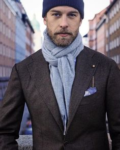 50 Elegant Winter Man Outfit With Scarf Ideas To Warm Your Body Mens Scarf Fashion, Modern Mens Fashion, Mens Fashion Blog, Mens Scarf Style, Modern Men Style, Men's Fashion, Gentleman Mode, Dapper Gentleman, Gentleman Style