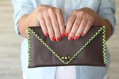 DIY Girls Clutch : DIY No Sew Leather Pouch