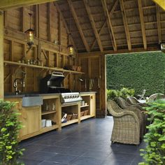 Outbuilding with outdoor kitchen