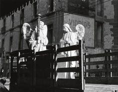 "MANUEL ALVAREZ BRAVO  ""Dos Angeles"" (Two angels). Silver print, 1930's"