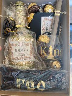 Glitter Wine Bottles, Bling Bottles, Bedazzled Bottle, Alcohol Bottle Crafts, Alcohol Gifts, Alcohol Birthday Cake, Birthday Gifts, 21st Birthday, Birthday Countdown