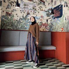 Muslim Fashion, Modest Fashion, 90s Fashion, Fashion Looks, Fashion Outfits, Casual Hijab Outfit, Ootd Hijab, Hijab Fashion Inspiration, Outfits With Converse