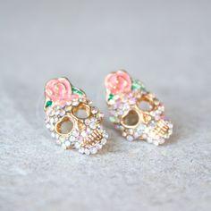 Skull Stud Earrings ❤ liked on Polyvore featuring jewelry, earrings, rose earrings, skull stud earrings, pink stud earrings, pink rose earrings and rose jewellery