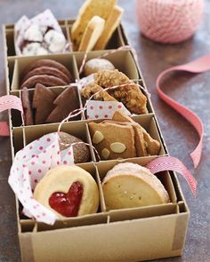 Cookie Gift Boxes, Cookie Gifts, Food Gifts, Cookie Display, Christmas Cookies Gift, Christmas Treats, Christmas Baking, Holiday Countdown, Holiday Gifts