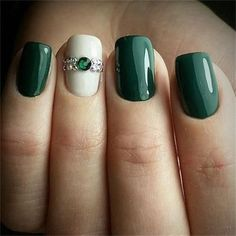 If you are looking for some Christmas green nail art ideas. We have Collected elegant Christmas nail art ideas for you. in 201 If you are looking for some Christmas green nail art ideas. We have Collected elegant Christmas nail art ideas for you. Green Nail Art, Green Nails, Christmas Nail Art Designs, Christmas Nails, Holiday Nails, Merry Christmas, Cute Nails, Pretty Nails, Classy Nails
