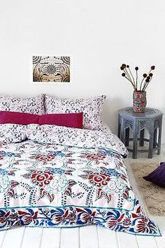 Urban Outfitters Magical Thinking Windy Floral Duvet Cover full/queen