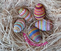 Pretty pattern for crochet Easter eggs - PDF download on Etsy.