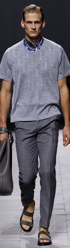Brioni Spring 2016 Menswear Fashion Show Mens Fashion Summer Outfits, Mens Fashion Suits, Casual Fall Outfits, Men Casual, Milan Men's Fashion Week, Fashion Show, Vogue Paris, Style Costume Homme, Nyc