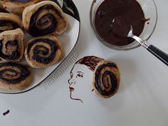 Princess Leia Organa (cocoa-cream rolls)   For more works, visit my facebook page: www.facebook.com/nadienska