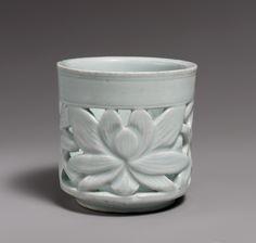 Brush holder with lotus decoration, Joseon dynasty (1392–1910), mid-19th century. Korea. Porcelain with openwork design;  H. 5 1/4 in. (13.3 cm); Diam. 5 1/4 in. (13.3 cm). The Metropolitan Museum of Art, New York, Hewitt Fund, 1911 (11.142.1) © 2000–2015 The Metropolitan Museum of Art.