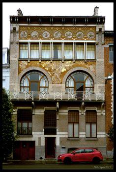 Architecture in Brussels Paul Hankar, Hôtel Albert Ciamberlani, 1897 rue Defacqz, 48 - 1050 Ixelles
