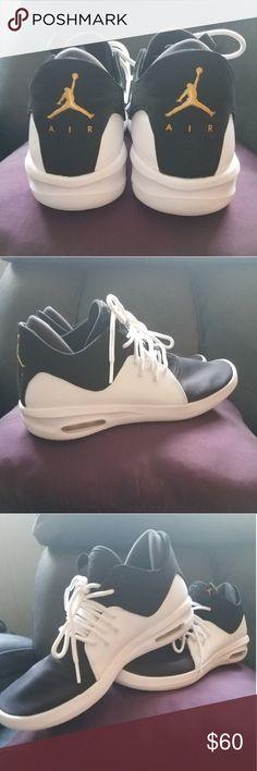 9bdc05a9d8d1 Air Jordan first class sneakers Boys (Y7) Air Jordan first class. EXCELLENT-