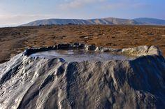 Merlin y Rebecca: Volcanes del fango Desierto