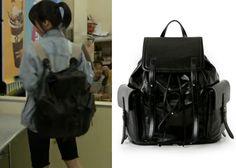 "Jung Eun-Ji in ""Trot Lovers"" Episode 1.  L'inoui Bono Black Leather Backpack #Kdrama #TrotLovers #트로트의연인 #JungEunJi #정은지"