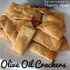 Olive Oil Crackers made easily in your thermomix or similar. Using just a few ingredients and less than 30 minutes to create. Healthy Crackers, Savory Snacks, Healthy Eating Recipes, Snack Recipes, Gourmet Recipes, Appetizer Recipes, Healthy Snacks, Olive Oil Biscuits, Bellini Recipe