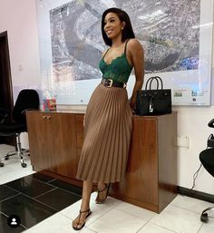 everyday outfits for moms,everyday outfits simple,everyday outfits casual,everyday outfits for women Black Girl Fashion, Look Fashion, Fashion Tips, Mode Outfits, Skirt Outfits, Classy Outfits, Stylish Outfits, Everyday Outfits, African Fashion